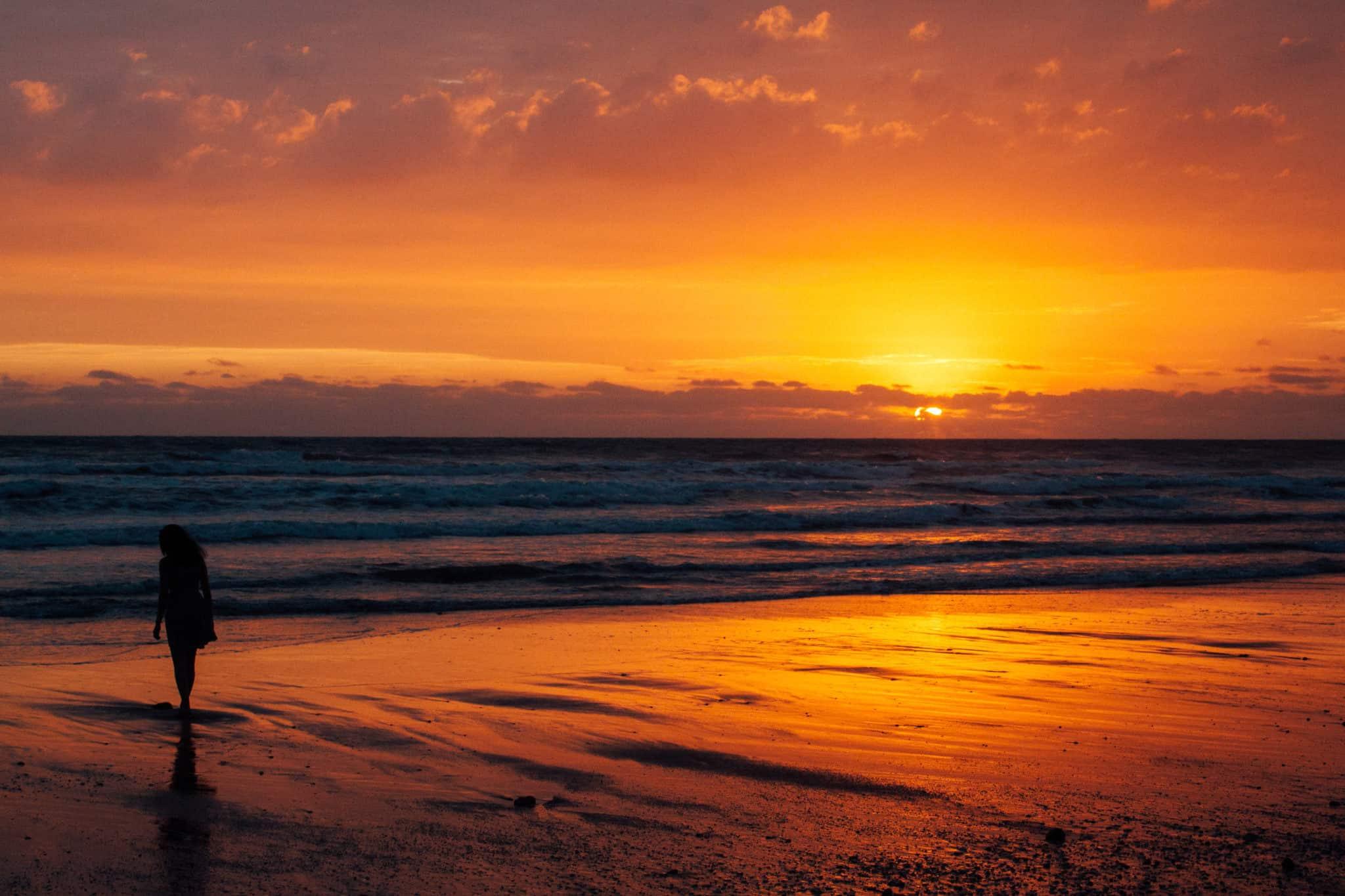 Simplicity of a Sunset